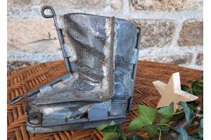 Ancien moule à  chocolat,  forme grande botte